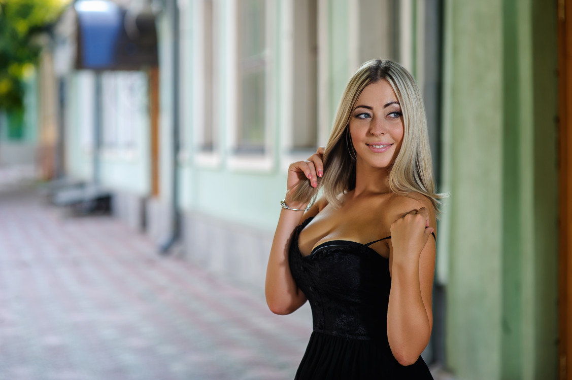 enthusiastic Ukrainian marriageable girl from city Kharkov Ukraine