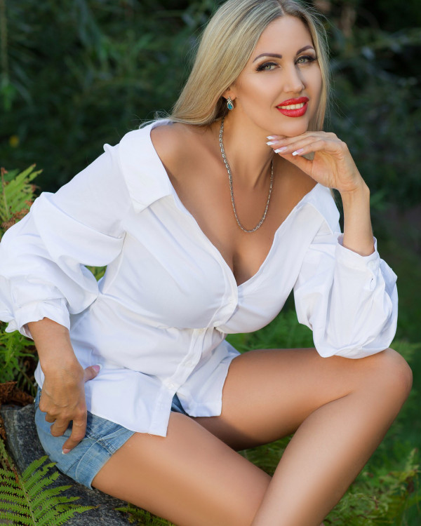 sensuous Ukrainian bride from city Sumy Ukraine